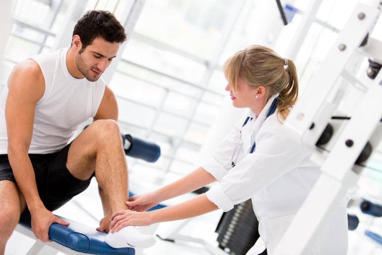 Когда требуется помощь спортивного врача?